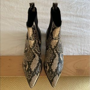 NWT Paige Snakeskin Willa Bootie, Size 8